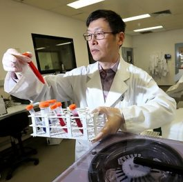 Professor Wei Shen in his lab. Source: TheAustralian